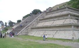 Mexico.Pue.Cholula.Pyramid.01.jpg