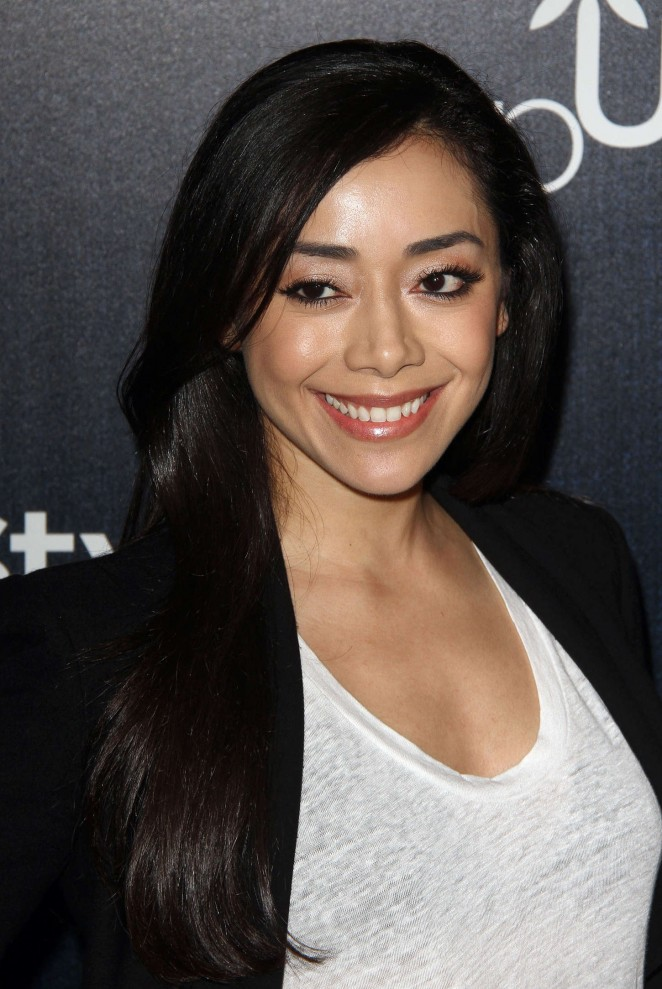 Aimee Garcia Nude Photos 66