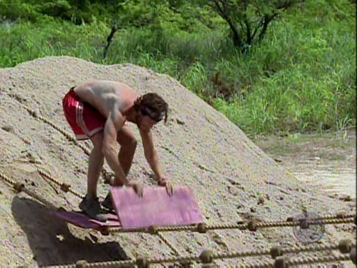 File:Survivor.Panama.Exile.Island.s12e09.The.Power.of.the.Idol.PDTV 095.jpg