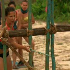Kelly attempting to get the key in the first challenge of the season.