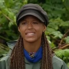 Alicia declares she didn't like the tribe anymore after she is deemed under the false assumption she is smart.