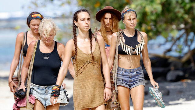 File:Australian-Survivor-Episode-19-Fia-Fia-Camp---Kristie-and-Jennah-Louise.jpg