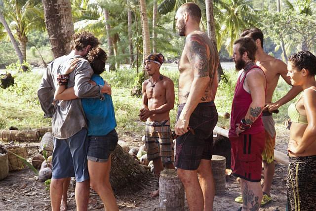 File:Neal goodbye dara tribe kaoh rong.jpg
