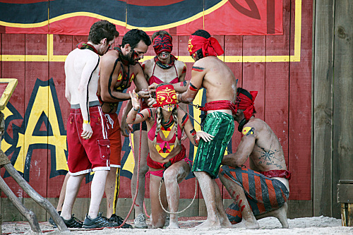 File:SURVIVOR-SOUTH-PACIFIC-Trojan-Horse-Episode-7-11.jpg