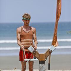 Josh at the first individual Immunity Challenge.