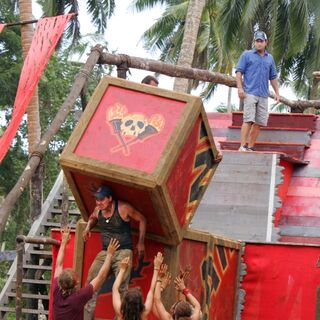 Boston Rob leading the Villains during the Immunity Challenge
