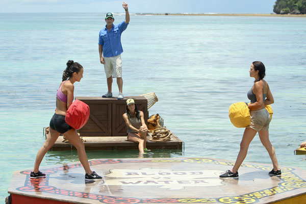 File:Survivor sumo laura and ciera.jpg