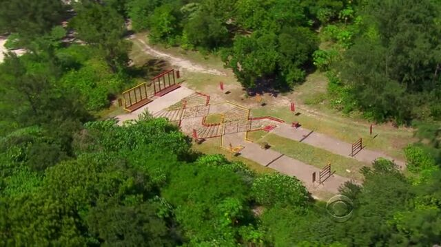 File:Survivor.s27e07.hdtv.x264-2hd 270.jpg