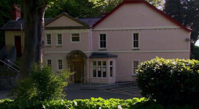 File:Saint Anthony's children's home.jpg