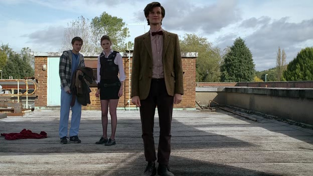 File:Eleventh Doctor, Amy, Rory on roof The Eleventh Hour.jpg
