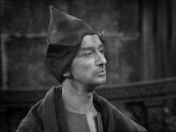 File:Raymond Llewellyn as Sapan.jpg