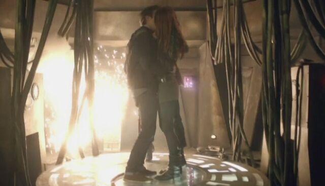 File:Amy Rory asylum kiss.jpg
