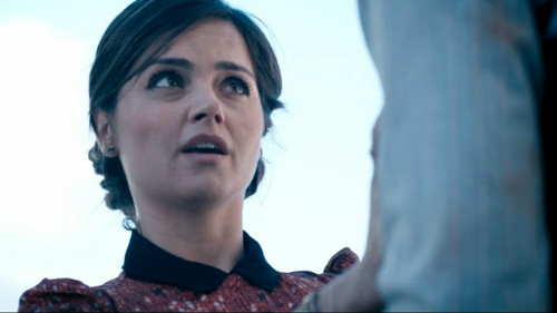 File:Clara scared of Eleventh Doctor.jpg
