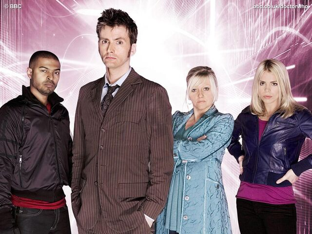 File:Rose's family and the Doctor.jpg