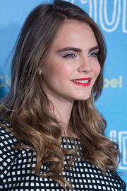 Cara-delevingne-ladylike-beauty-main