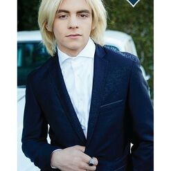 Ross Lynch- 1239399817255061376707341807311321 n