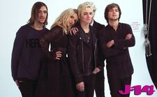 R5-behind-the-scenes-photoshoot-18