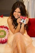 Minnie-gifting-lounge-maia-mitchell