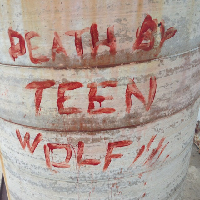 Datei:Teen Wolf Season 4 Behind the Scenes Crew Message June 30.jpg