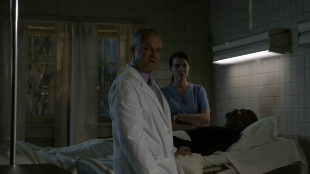 Datei:Teen Wolf Season 4 Episode 11 A Promise to the Dead Fenris Deaton and nurse.png