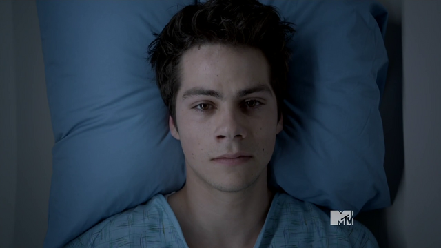 Datei:Teen Wolf Season 3 Episode 18 Riddled Stiles Before.png