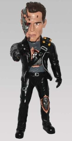 File:Arnold T-800 statue from terminator 2.jpg