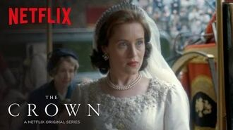 The Crown Featurette Fashion Netflix