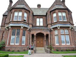 House-Of-Anubis-the-house-of-anubis-18756272-520-391