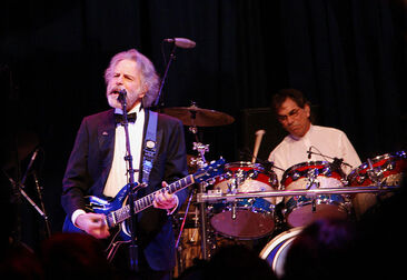 800px-Bob Weir and Mickey Hart, Obama Inaugural