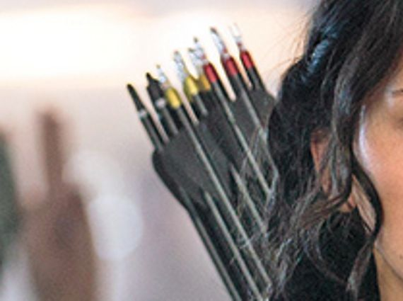 File:Katniss-different-color-arrows-mockingjay-spoilers-first-image-of-katniss-in-hunger-games-mockingjay-shows-her-secret-weapon.jpg