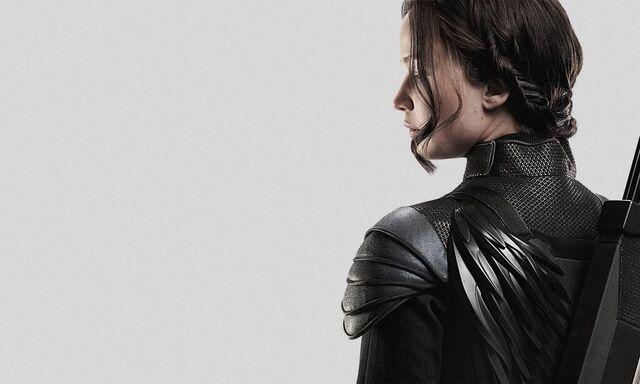 File:Katnisswings.jpeg