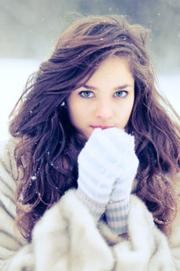 180px-Blue-eyes-curly-hair-globes-pretty-girl.-snow-thinspiration-white-Favim.com-69980
