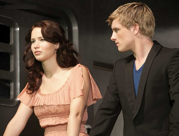 File:Katniss peeta train.jpg
