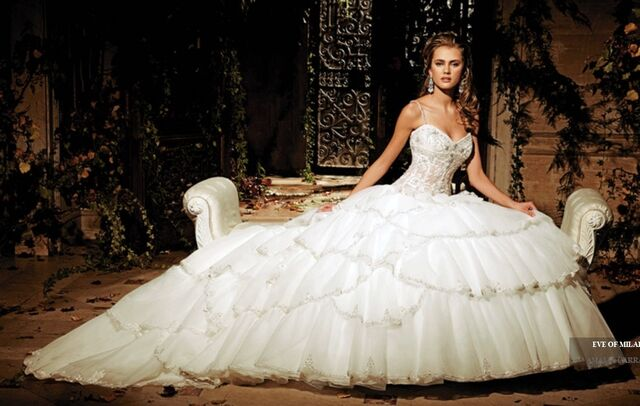 File:2012 celebrity ball gown wedding dress 9835 20111218191200.jpg