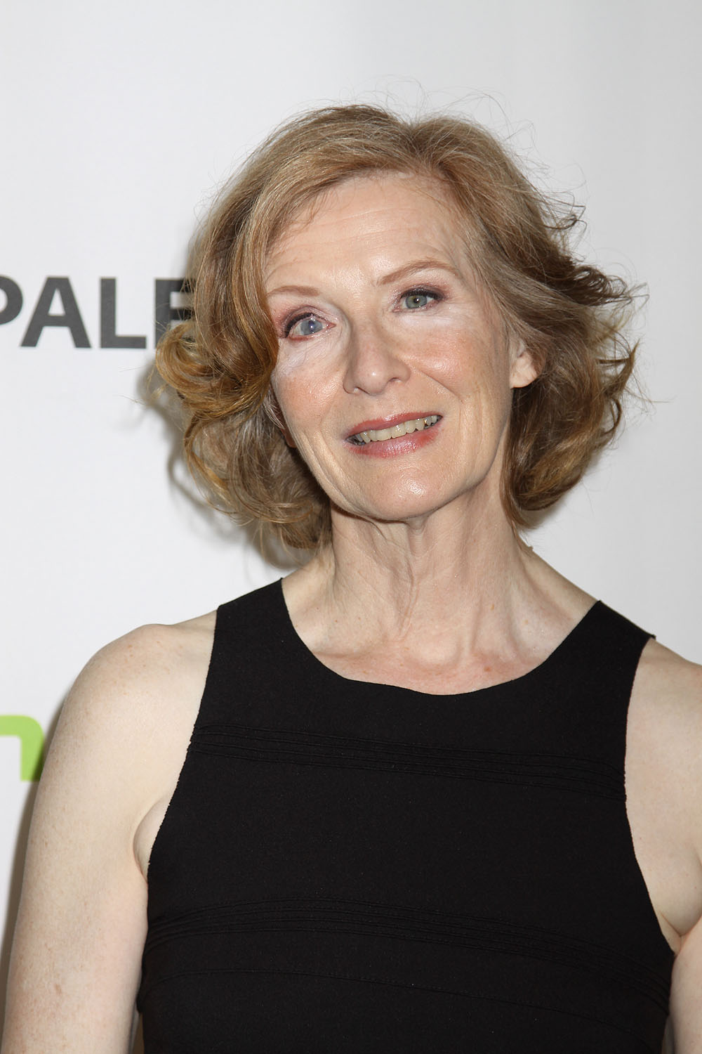 frances conroy the real o'nealsfrances conroy глаз, frances conroy scent of a woman, frances conroy ahs, frances conroy the real o'neals, frances conroy young pictures, frances conroy 1970, frances conroy height, frances conroy eye, frances conroy young, frances conroy eye what happened, frances conroy family, frances conroy instagram, frances conroy, frances conroy ahs hotel, frances conroy american horror story, frances conroy hotel, frances conroy how i met your mother, frances conroy grey's anatomy, frances conroy twitter, frances conroy auge