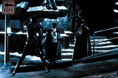 513333-96452 batman returns movie stills ccbn 21 122 499l