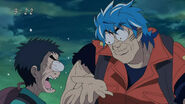 Toriko and Komatsu shocked that the ingredient got rotten from the smell