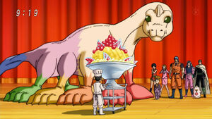 Komatsu presenting the parfait