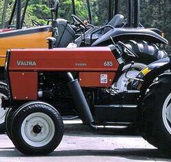 Valtra 685 Frutero (orange) - 2003