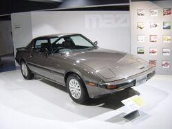 Mazda-rx7-1st-generation01