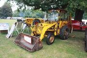 IH 2275 and wain-roy digger at newby 2011 - IMG 0145