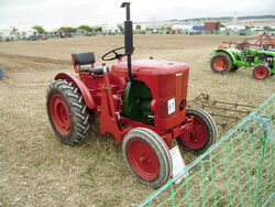 Winget model 42 tractor at GDSF
