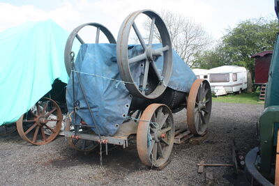 Marshall Portable no? Under restoration at Klondyke 09 - IMG 7282
