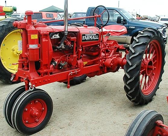 Farmall H On Steel Wheels Amish : Farmall f tractor construction plant wiki fandom
