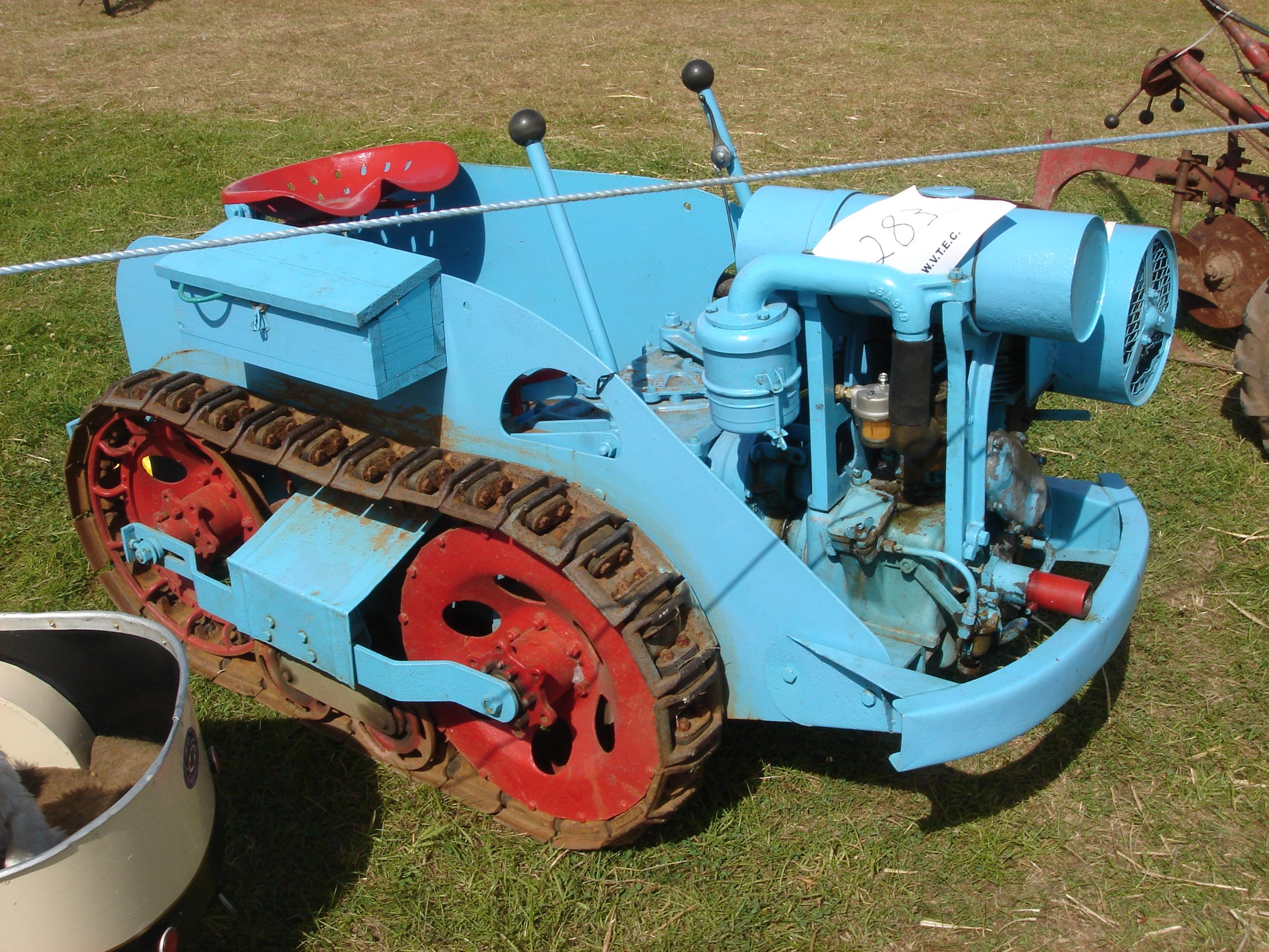 Собрать гусеничный трактор своими руками