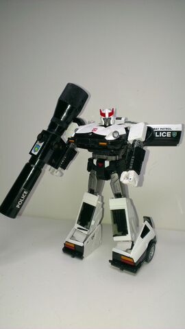 File:MP-17 Masterpiece Prowl (38).jpg