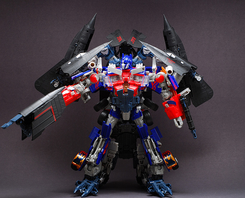 File:Rotf-jetpoweroptimusprime-toy-leader-1-2.jpg