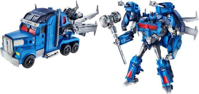 File:Bh-ultramagnus-toy-voyager.jpg