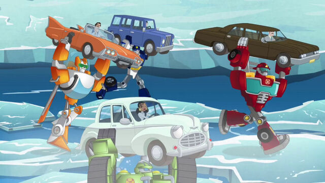 File:TipOfTheIceberg rescuing cars.jpg