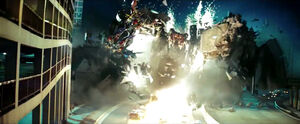 Rotf-optimusprime&demolishor-film-battle